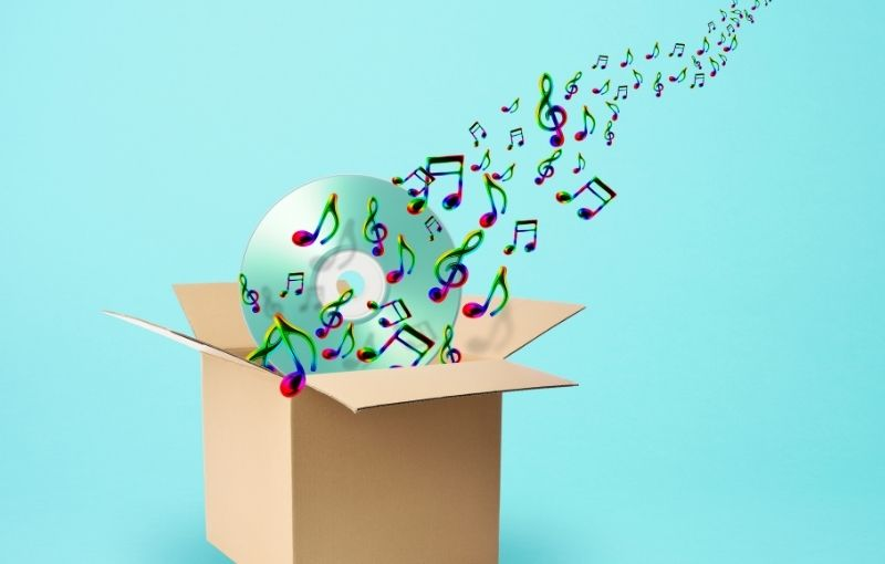 Music-fulfilment-packaging-concept-with-CD-and-colourful-music-notes-projecting-from-a-box